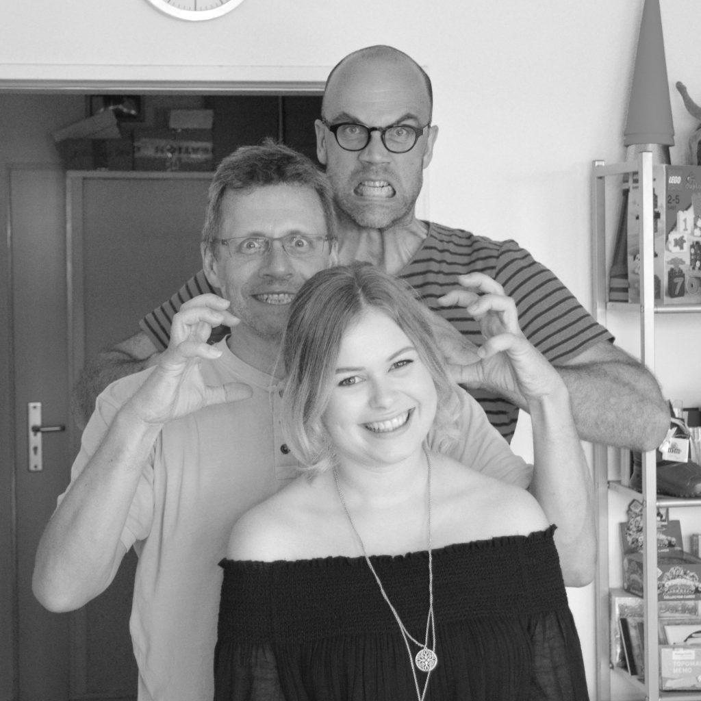 Geschäftsführer Blattwerk Media Ulf Lucas und Wolfgang Scheder mit Auszubildener