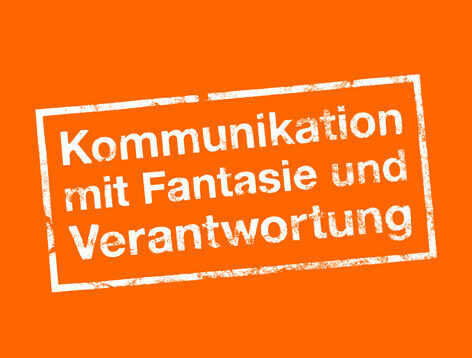 """Blattwerk Media Stempel """"Kommunikation mit Fantasie und Verantwortung"""" Oranger Hintergrund"""